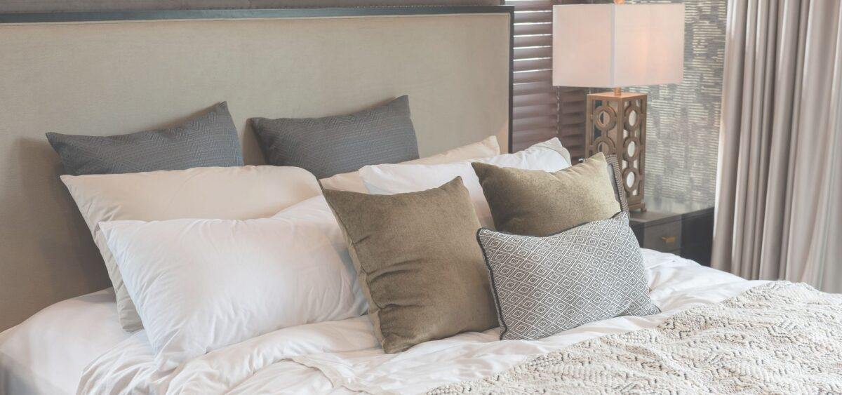 zalety łóżek tapicerowanych